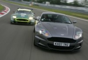 Aston Martin DBS challenges the DBR9 at the Nϋrburgring