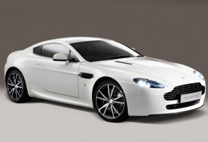 Aston Martin V8 Vantage Drops Weight With The N420 Edition