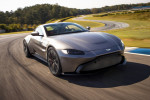 2019 Aston Martin Vantage debuts with bold look, raucous V-8