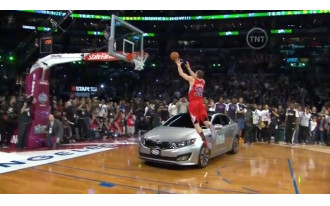 Blake Griffin Jumps Over 2011 Kia Optima To Win Dunk Contest