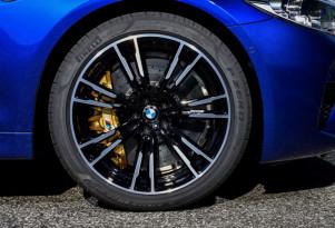 2018 BMW M5's custom Pirelli tires