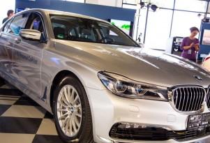 BMW, Intel kick off self-driving car pilot program