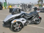 New Spyder Blends Motorcycle, Trike