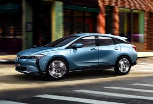 GM president dashes hopes of future Volt, says no more hybrids