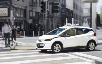 GM looking to let public test its self-driving cars