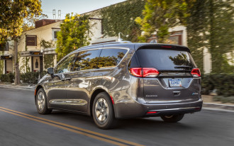 Chrysler Pacifica Hybrid: The Car Connection's Best Hybrid to Buy 2018