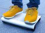 Electric Minimalism: Laptop-Size Electric Skateboard Scoots You Around