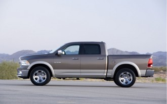 Chrysler Recalls 278,000 Pickups And SUVs Over Loose Rear Axle Fastener Issue