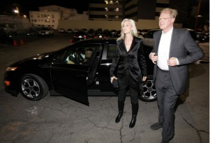 GM Electric Cars Carry Stars To Pre-Oscars Green Carpet Event