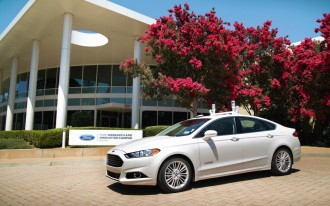 Ford promises autonomous cars for ride-sharing by 2021