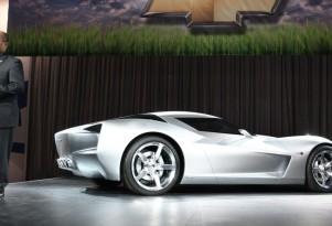 GM design chief Ed Welburn presents the 2009 Chevrolet Corvette Stingray Concept