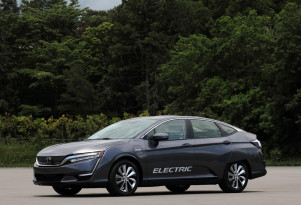 2018 Honda Clarity Electric hits dealerships in California and Oregon with $199 lease deal