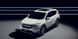 Honda CR-V Hybrid prototype goes green(er)