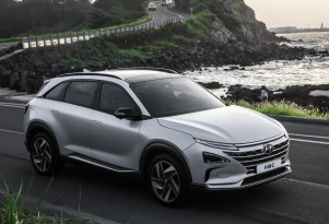 Production Hyundai Nexo hydrogen fuel-cell SUV appears at CES