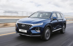 2019 Hyundai Santa Fe debuts with handsome look, diesel mill