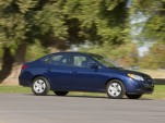 2010 Hyundai Elantra Blue: Higher MPG, Just $25 More