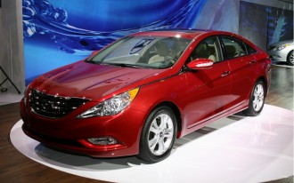 Hyundai Puts The Brakes On The 2011 Hyundai Sonata