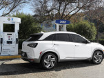Hyundai sets lease terms for Nexo fuel-cell vehicle, makes first delivery