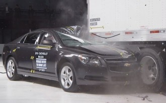 """IIHS: Today's """"Mansfield Bars"""" Don't Work So Well (Video)"""