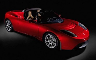 Tesla Builds First Electric-Car Roadster