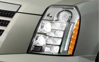 Escalade Platinum Brightens Up with LED Headlamps