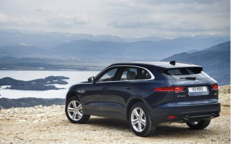 Jaguar expands F-Pace lineup with new gas 4-cylinder engine