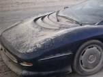 Jaguar XJ220 abandoned in desert