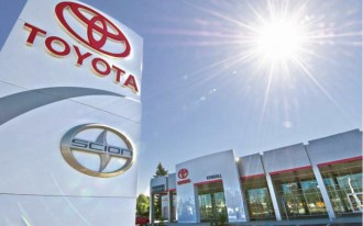 Toyota Offers Zero-Percent And Free Maintenance To Some Buyers
