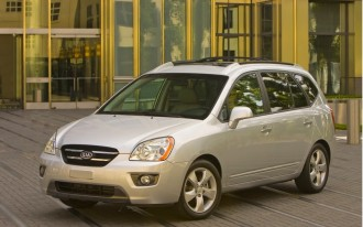 The 2010 Kia Rondo May Be the Smartest Family Car Buy You Ever Make