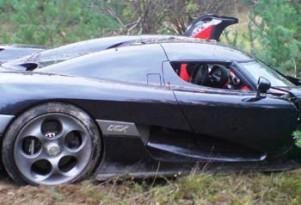 Koenigsegg CCX bites the dust