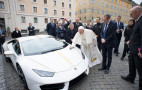 Lamborghini gives the Pope a Huracán for charity