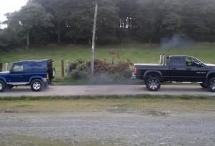 Land Rover Defender and Dodge RAM Cummins tug of war (Youtube video screenshot)