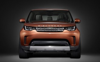 2018 Land Rover Discovery teased ahead of Paris debut