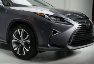 Lexus lowers hybrid prices to reduce premium over gasoline substantially