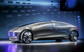 Toyota Fuel Cells, New OnStar Services, Mercedes F015: What's New @ The Car Connection