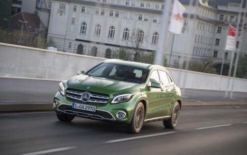 2018 Mercedes-Benz GLA200d (Euro-spec)