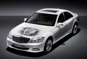 Mercedes to Meet Future CAFE Requirements With Hybrid Vehicles