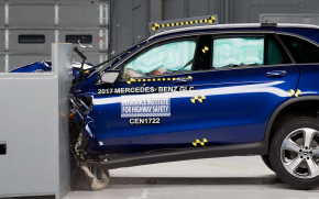 2018 Mercedes-Benz GLC Class IIHS crash test