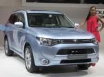 2013 Mitsubishi Outlander Plug-in Hybrid Gallery: 2012 Paris Auto Show
