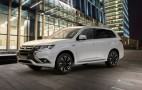 2017 Mitsubishi Outlander plug-in hybrid debuts in New York, goes on sale this fall