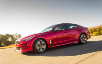 2018 Kia Stinger sport sedan costs $32,800 to start; your move, big guys
