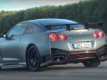 Nissan GT-R NISMO drag race