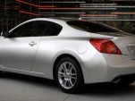 Nissan unleashes the Altima Coupe