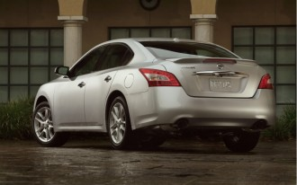 2010 Nissan Maxima: Luxurious, Sporty Family Transportation