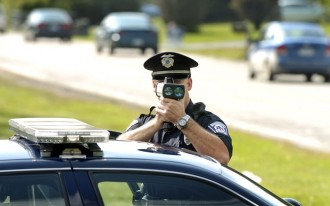 Man Arrested For Warning Drivers Of Speed Trap; Is It Free Speech?