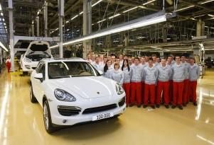 Porsche builds the 100,000th Cayenne in Leipzig.