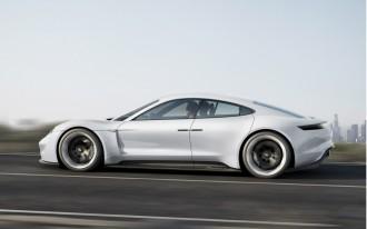 2016 Mercedes Metris, Standard Auto Brake, Porsche Mission E: What's New @ The Car Connection