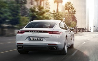 Porsche Panamera 4 e-Hybrid, 2018 Jeep Compass, Kia Soul EV: What's New @ The Car Connection