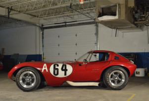 Record-setting 215-mph Bill Thomas Cheetah heads to auction