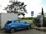 Used Renault electric-car batteries provide DC fast-charging on highway